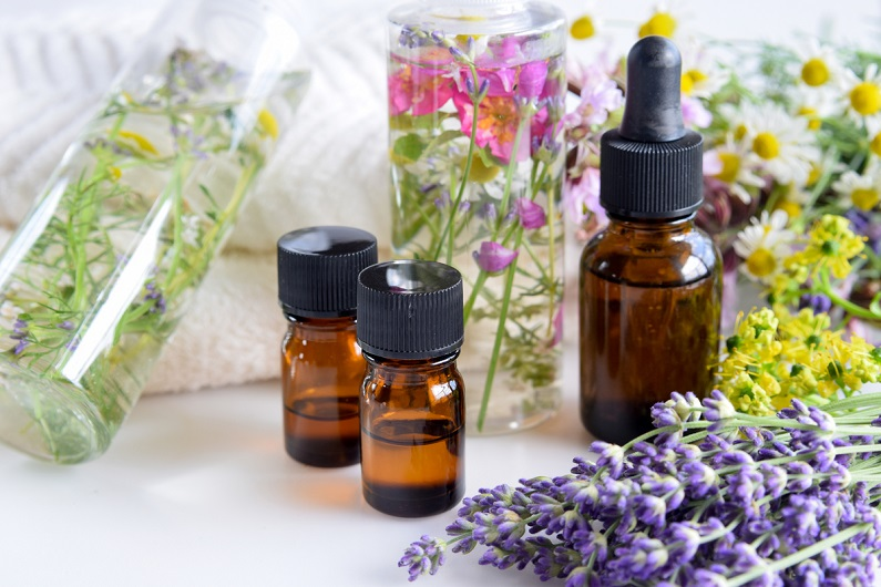 Aromatherapy Essential Oils: Vintage Healing Method That Fits the Modern World