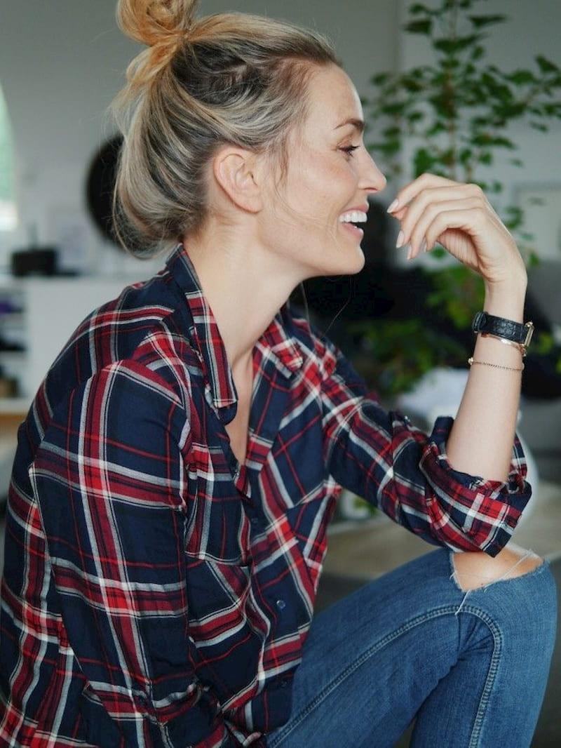 woman wearing plaid shirt