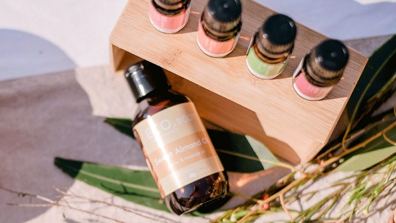Tips for Using Carrier Essential Oils & The Most Popular Options