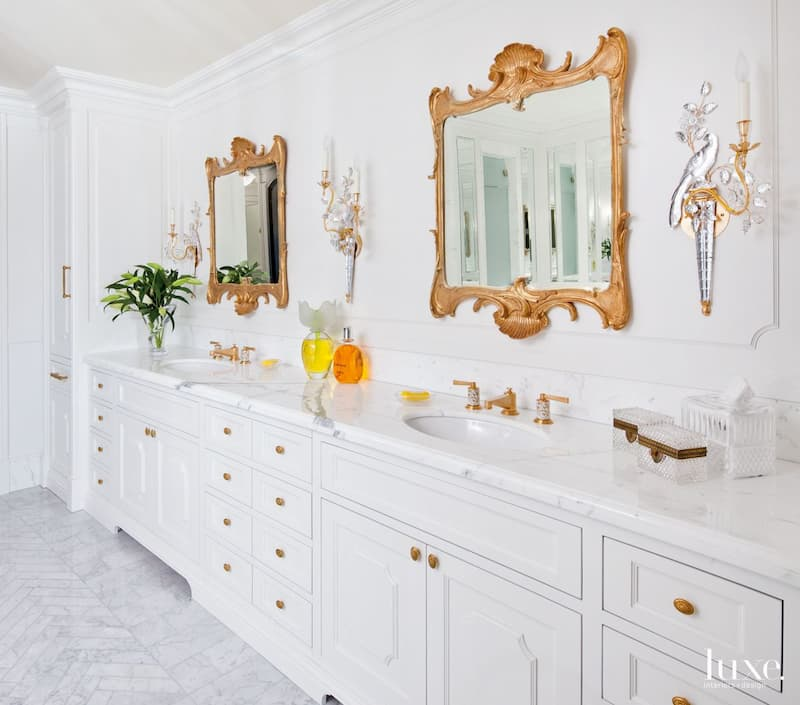 ornate-mirror-bathroom