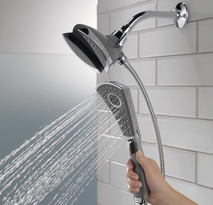 movable shower head