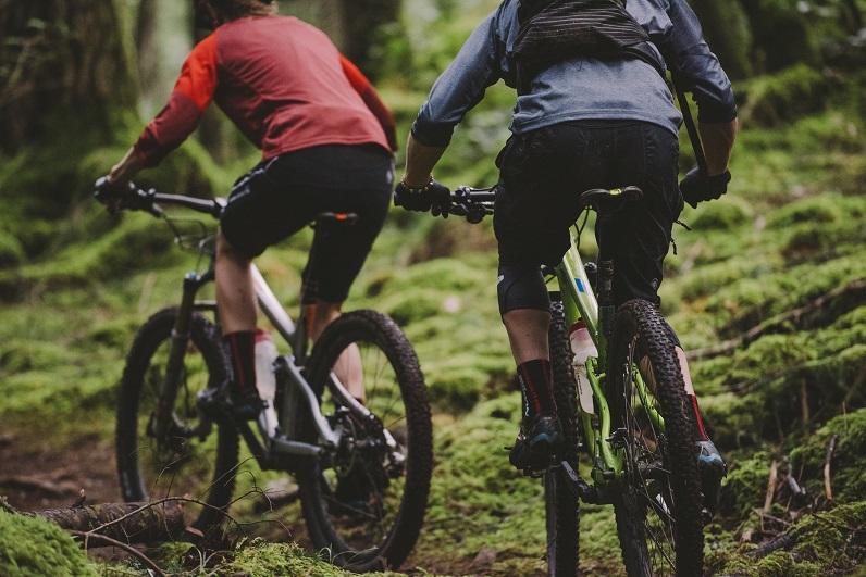 riding mtb bike